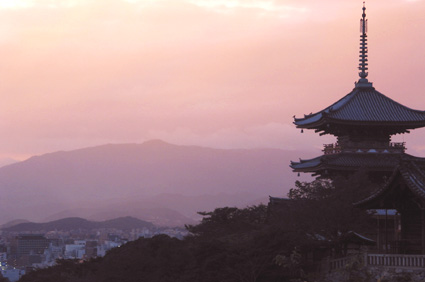 Evening calm at Buddhist temple Kiyomizu-dera in Kyoto